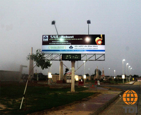 Time and Temperature Outdoor Advertising